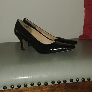 Karen Scott Pointed Toe Heels Size 6